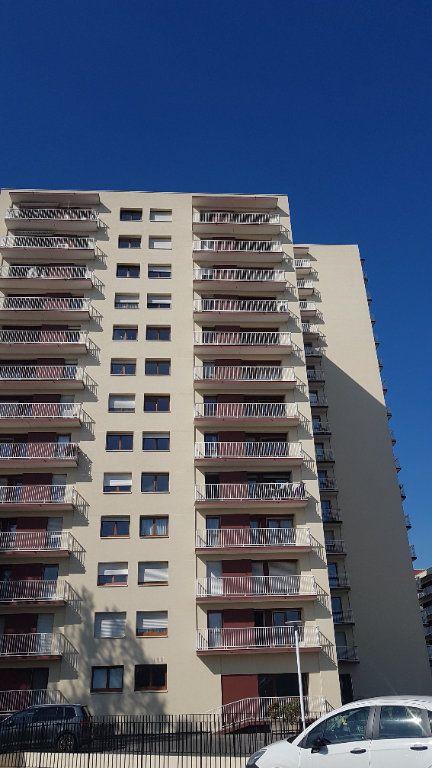 Appartement à louer 2 57.59m2 à Cachan vignette-9