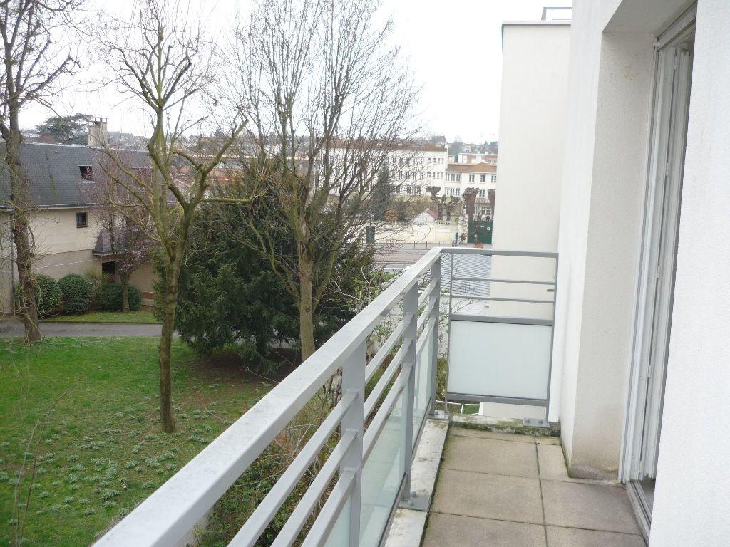 Appartement à louer 3 55.25m2 à Vitry-sur-Seine vignette-4