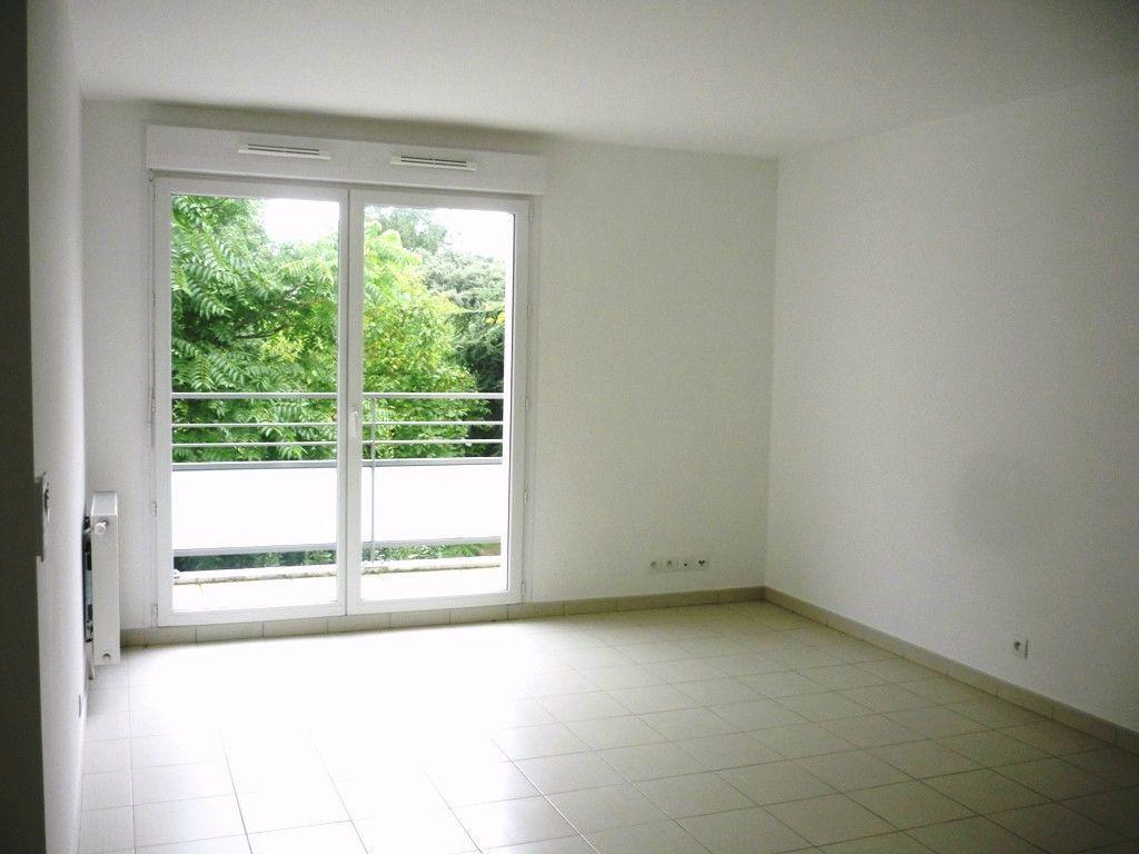 Appartement à louer 3 55.25m2 à Vitry-sur-Seine vignette-5