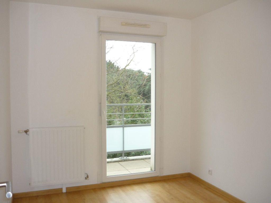 Appartement à louer 3 55.25m2 à Vitry-sur-Seine vignette-9