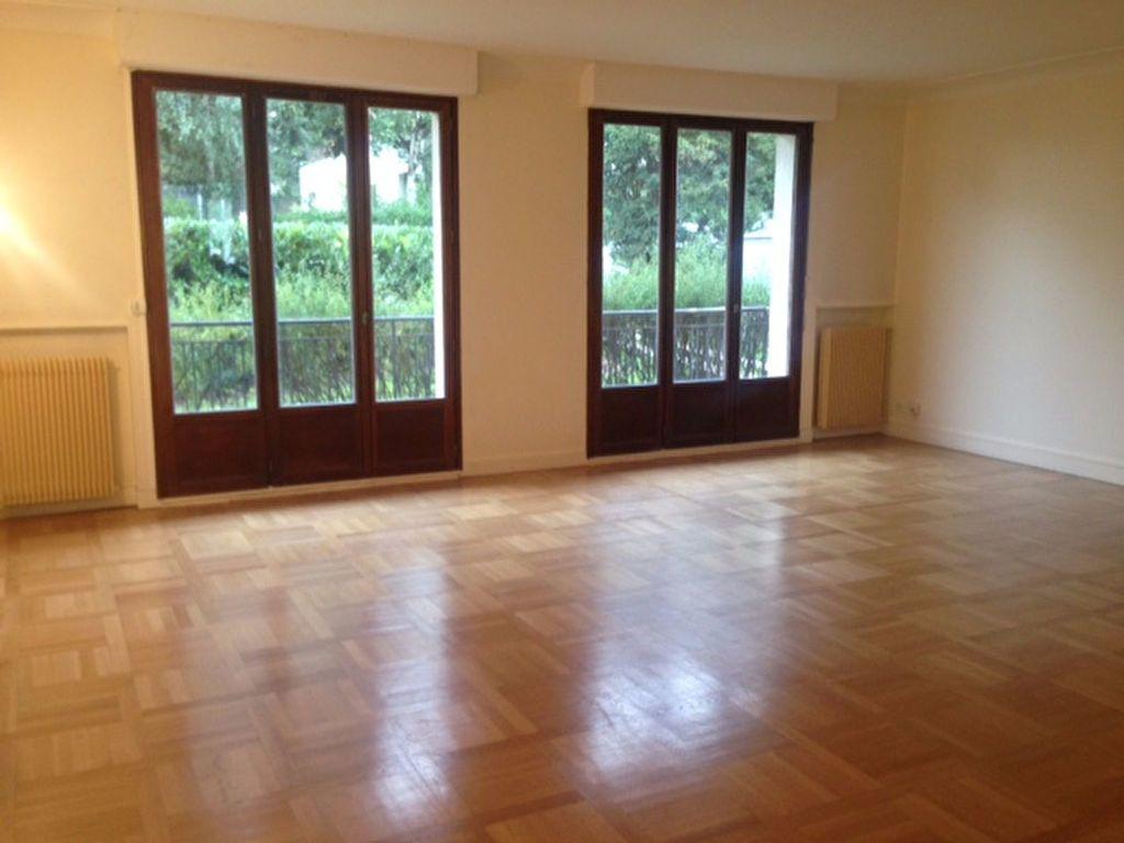 Appartement à louer 5 126.6m2 à Sceaux vignette-1