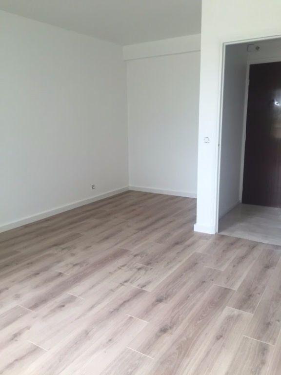 Appartement à louer 1 30.21m2 à Bourg-la-Reine vignette-2