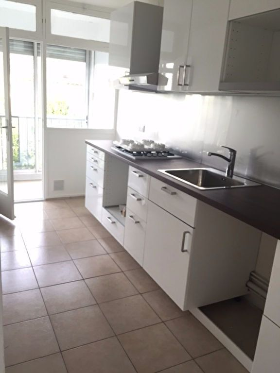 Appartement à louer 3 58.64m2 à Bourg-la-Reine vignette-1