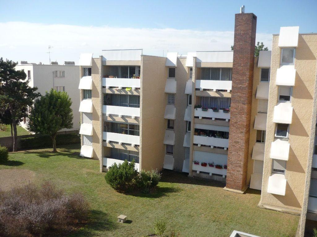 Appartement à louer 1 33.38m2 à L'Haÿ-les-Roses vignette-1
