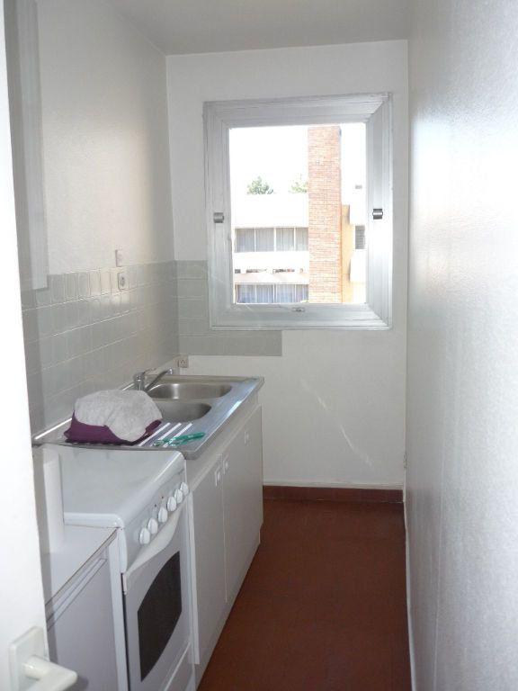 Appartement à louer 1 33.38m2 à L'Haÿ-les-Roses vignette-2