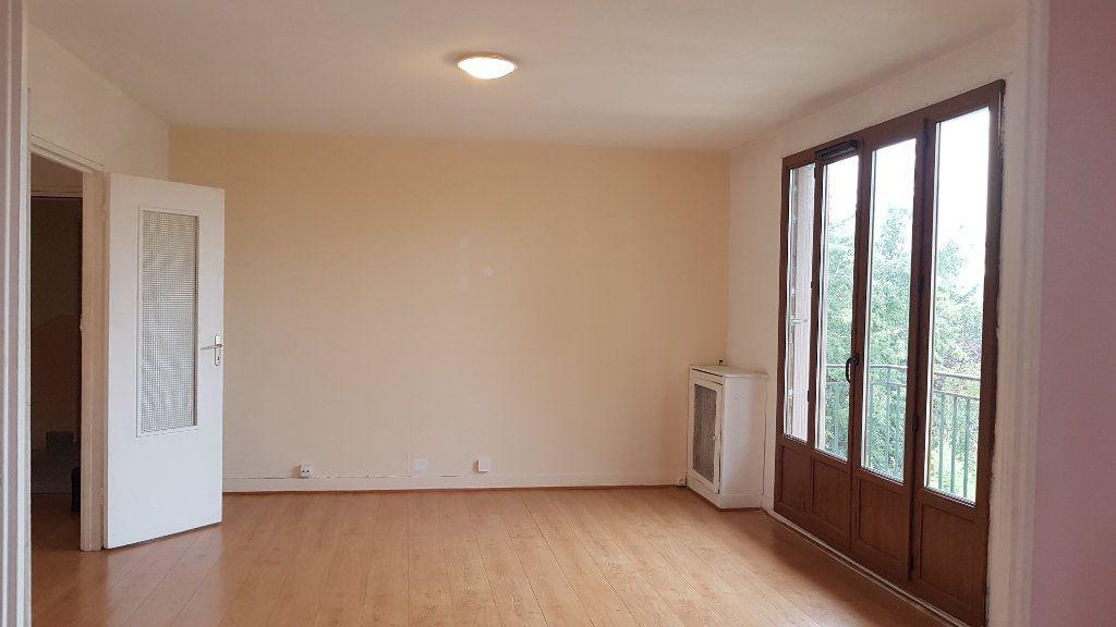 Appartement à louer 3 59.01m2 à L'Haÿ-les-Roses vignette-1