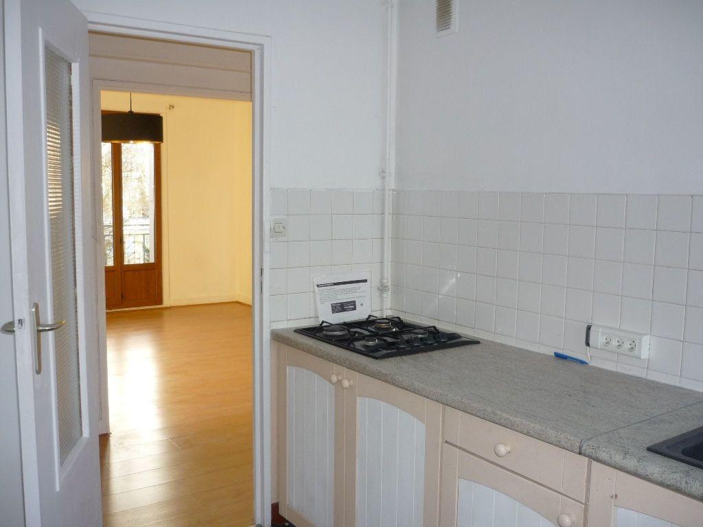 Appartement à louer 3 59.01m2 à L'Haÿ-les-Roses vignette-5
