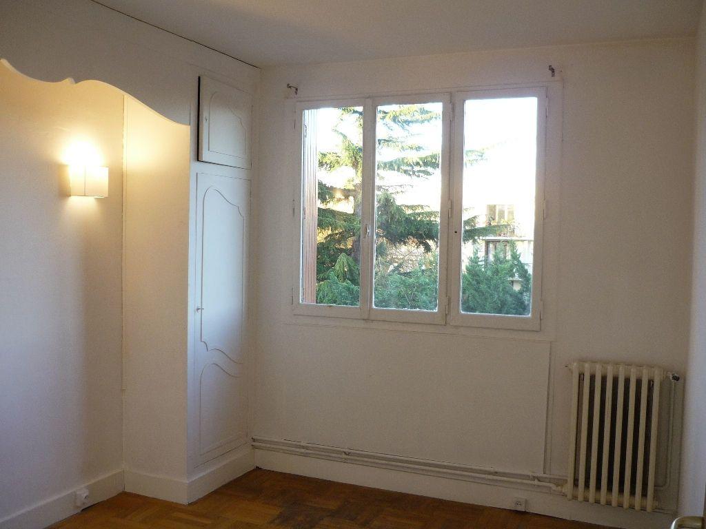 Appartement à louer 3 59.01m2 à L'Haÿ-les-Roses vignette-8