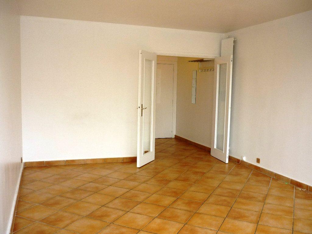 Appartement à louer 3 67.18m2 à Chevilly-Larue vignette-4