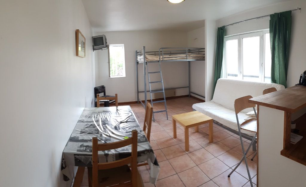 Appartement à louer 1 30.2m2 à Bourg-la-Reine vignette-1