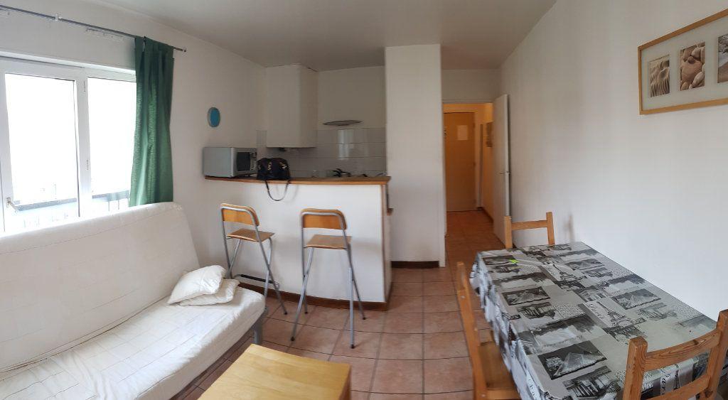 Appartement à louer 1 30.2m2 à Bourg-la-Reine vignette-2