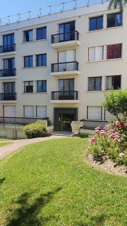 Appartement à louer 5 121.03m2 à Fontenay-aux-Roses vignette-1