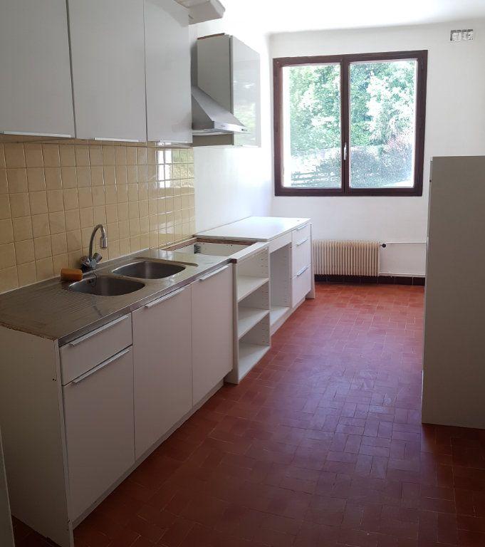 Appartement à louer 5 121.03m2 à Fontenay-aux-Roses vignette-4