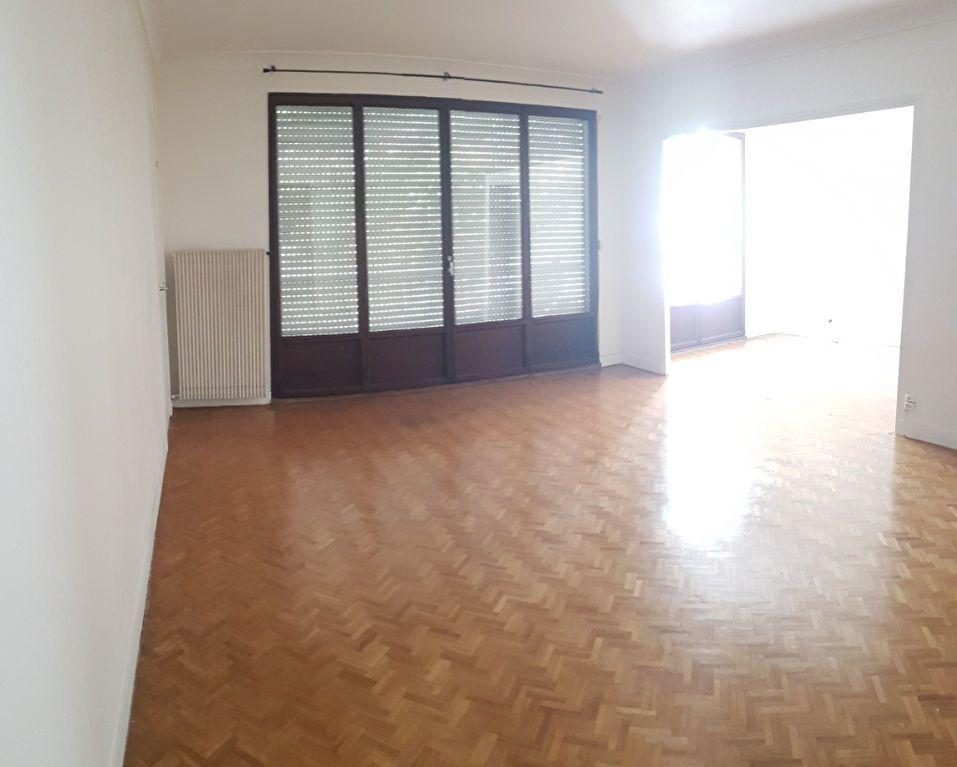 Appartement à louer 5 121.03m2 à Fontenay-aux-Roses vignette-6