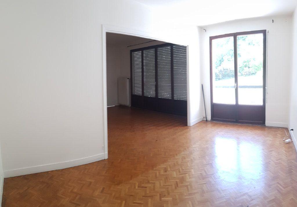 Appartement à louer 5 121.03m2 à Fontenay-aux-Roses vignette-7