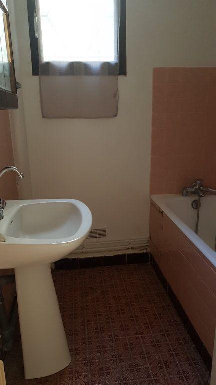 Appartement à louer 5 121.03m2 à Fontenay-aux-Roses vignette-10