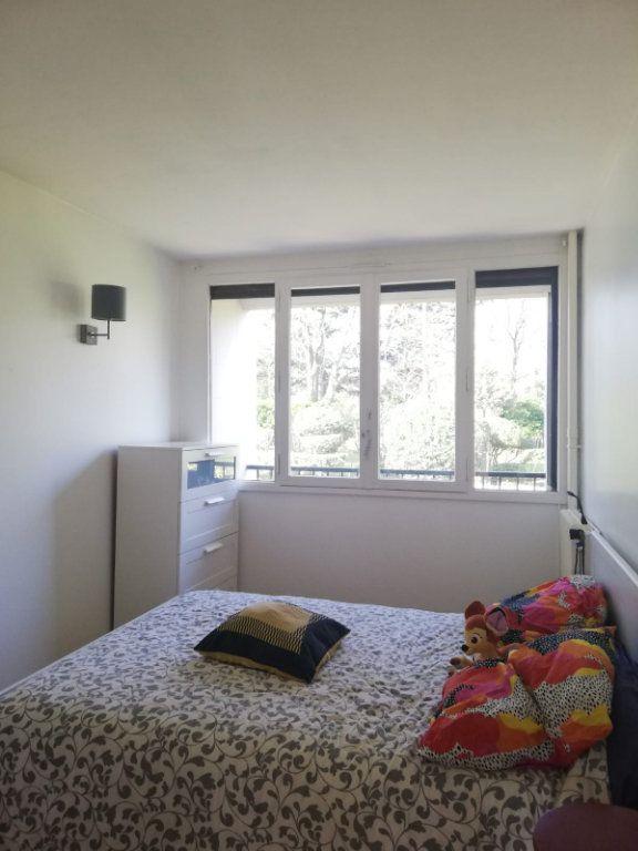 Appartement à louer 4 65.45m2 à L'Haÿ-les-Roses vignette-3