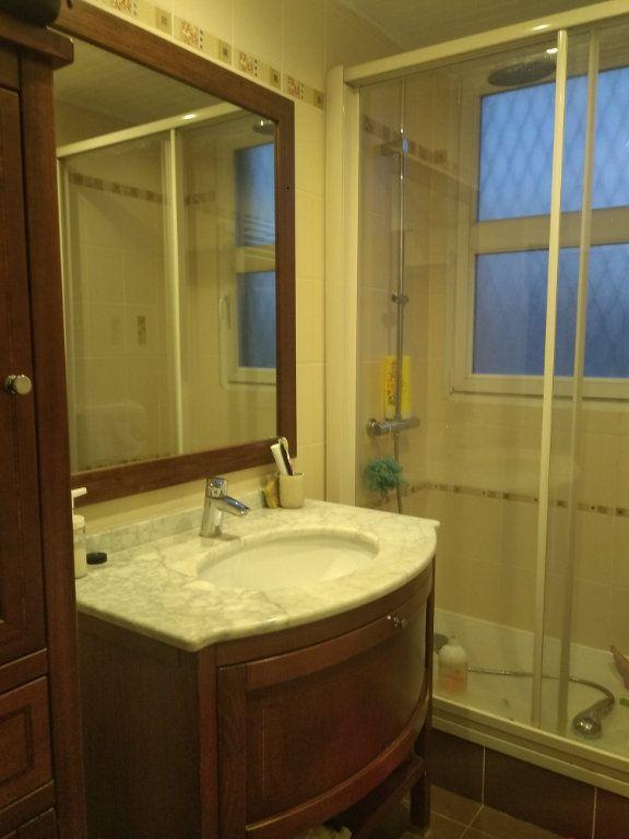 Appartement à louer 4 65.45m2 à L'Haÿ-les-Roses vignette-4