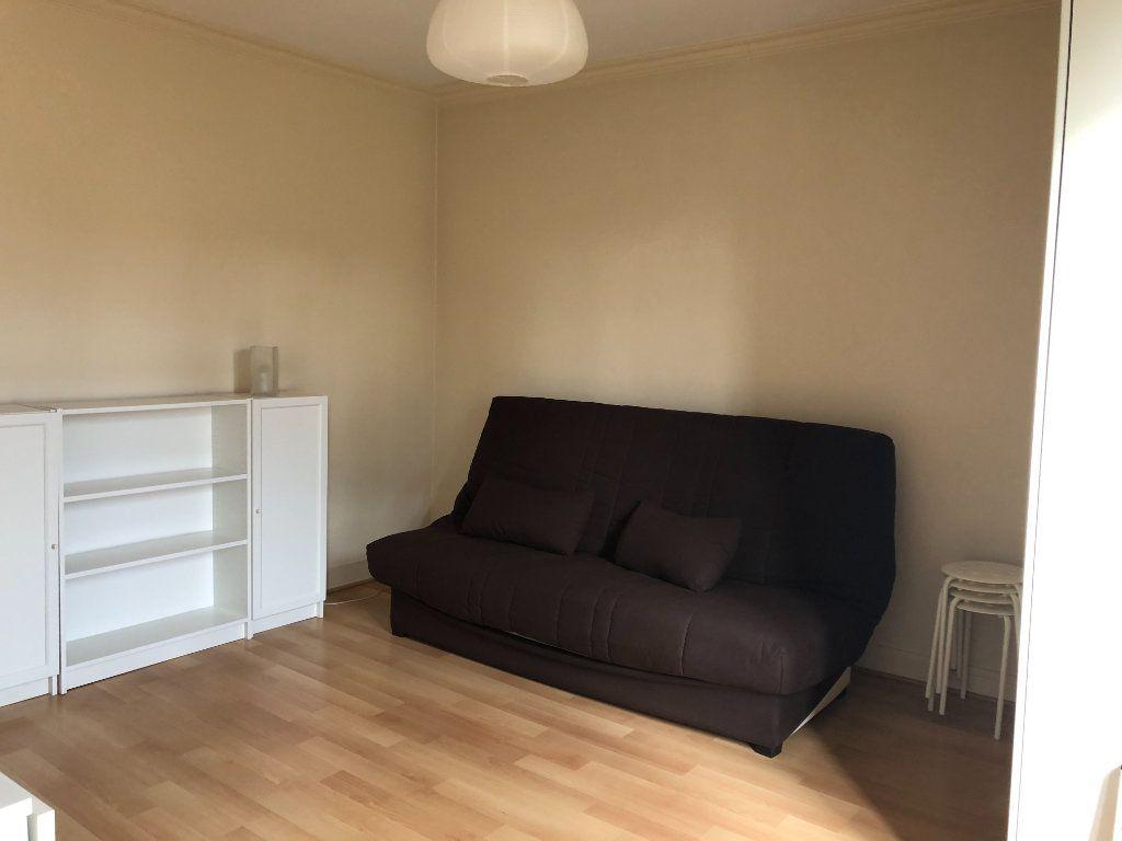 Appartement à louer 1 21m2 à Bourg-la-Reine vignette-2