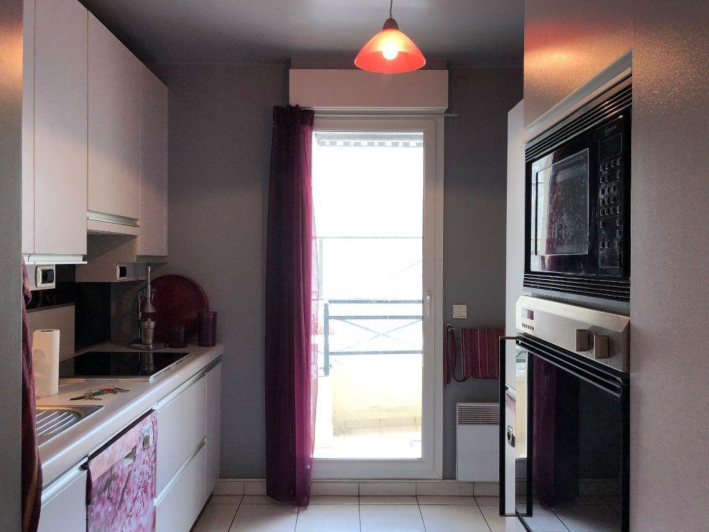 Appartement à louer 4 94.09m2 à Le Plessis-Robinson vignette-6
