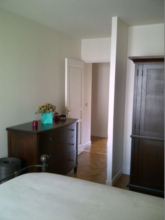 Appartement à louer 4 94.09m2 à Le Plessis-Robinson vignette-9