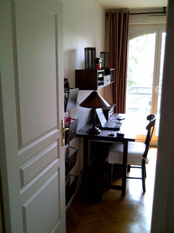 Appartement à louer 4 94.09m2 à Le Plessis-Robinson vignette-10