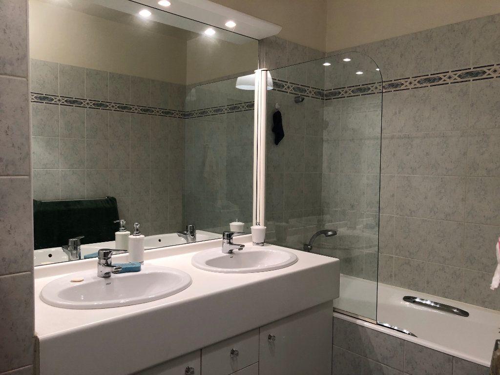 Appartement à louer 4 94.09m2 à Le Plessis-Robinson vignette-13