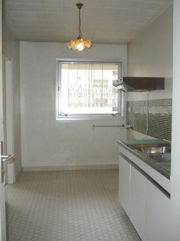 Appartement à louer 3 68.09m2 à Chevilly-Larue vignette-2