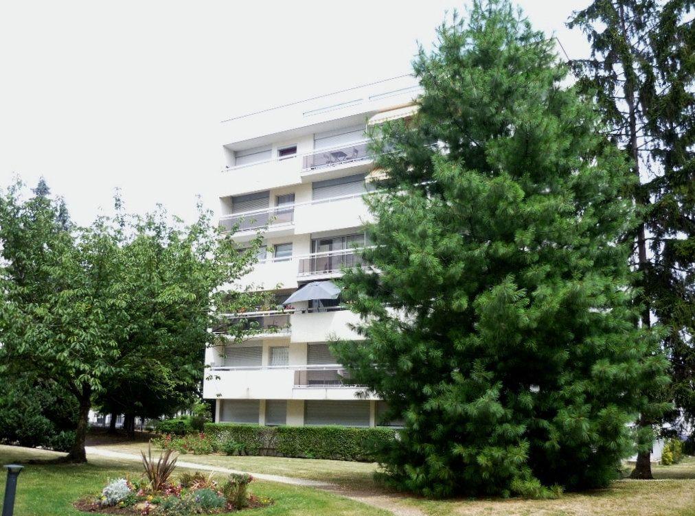 Appartement à louer 3 68.09m2 à Chevilly-Larue vignette-5