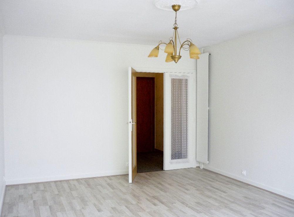Appartement à louer 3 68.09m2 à Chevilly-Larue vignette-6