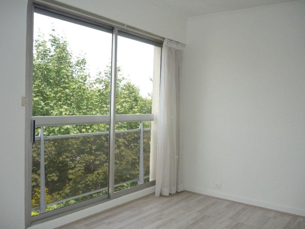 Appartement à louer 3 68.09m2 à Chevilly-Larue vignette-8