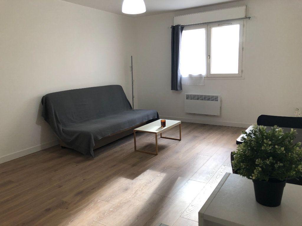 Appartement à louer 1 29.66m2 à Chevilly-Larue vignette-1