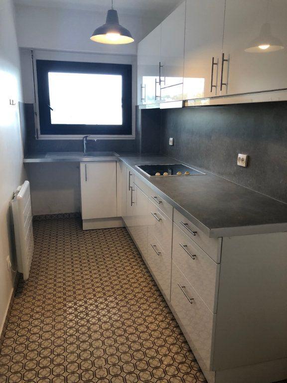 Appartement à louer 4 70.02m2 à Sceaux vignette-3