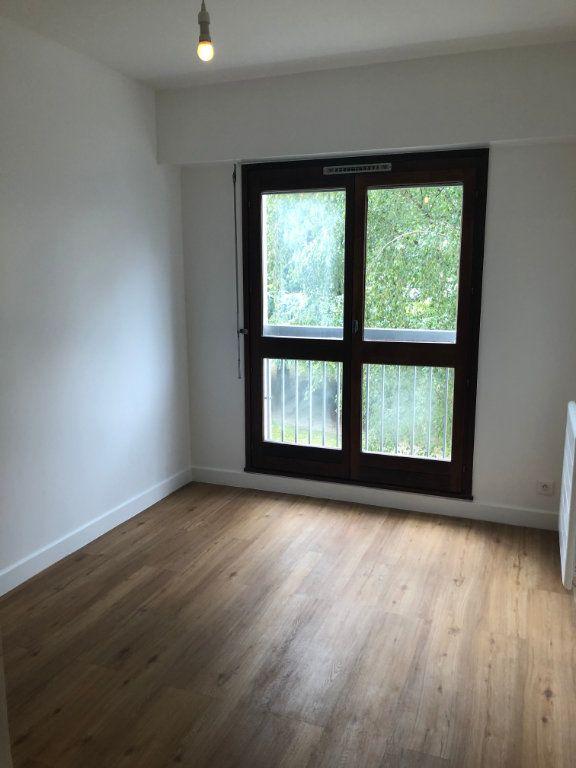 Appartement à louer 4 70.02m2 à Sceaux vignette-5