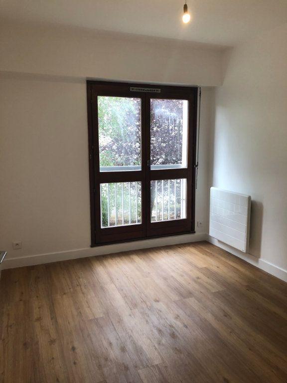 Appartement à louer 4 70.02m2 à Sceaux vignette-7