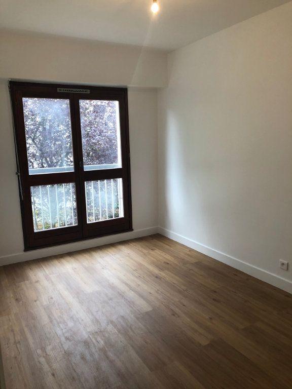 Appartement à louer 4 70.02m2 à Sceaux vignette-9