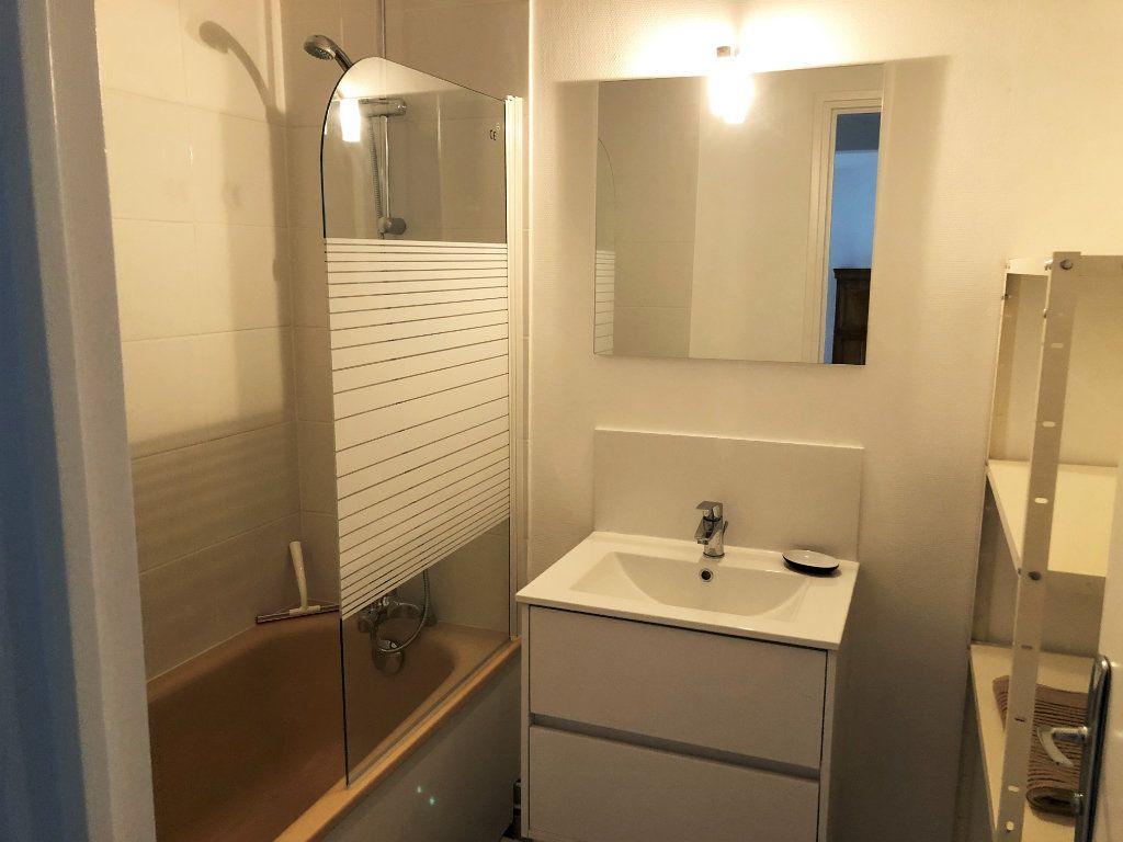 Appartement à louer 4 75.94m2 à Bourg-la-Reine vignette-6