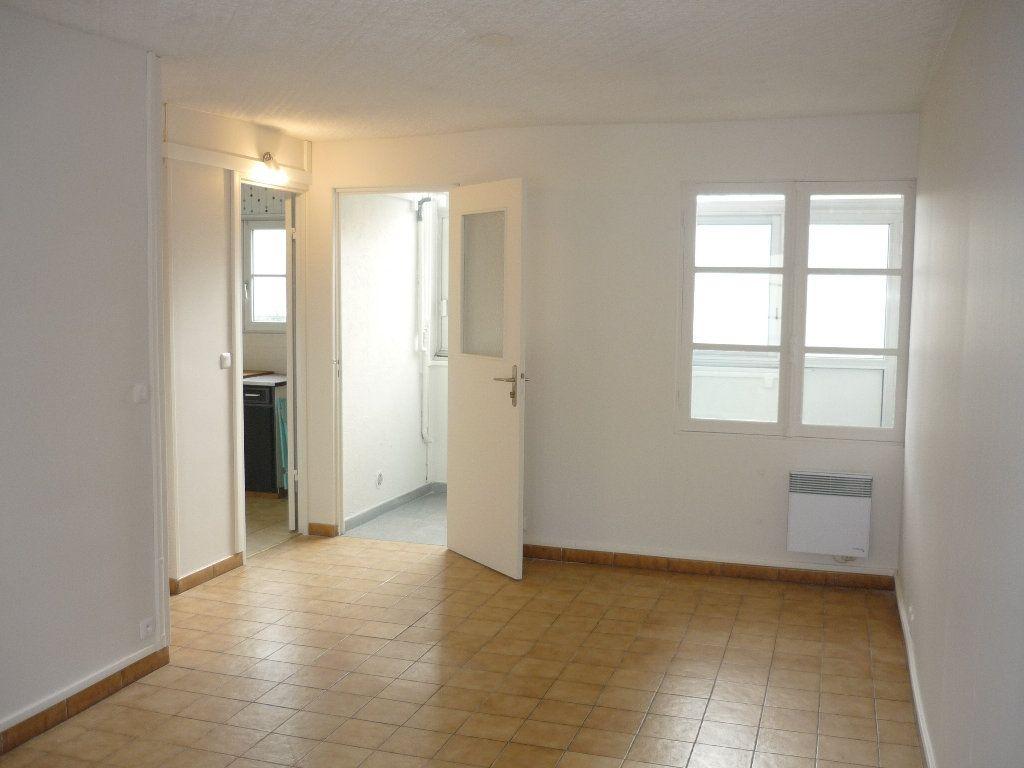 Appartement à vendre 3 55m2 à Chevilly-Larue vignette-3