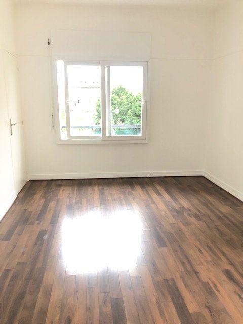 Appartement à louer 5 121.96m2 à Clamart vignette-9