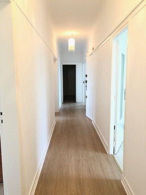 Appartement à louer 5 121.96m2 à Clamart vignette-13