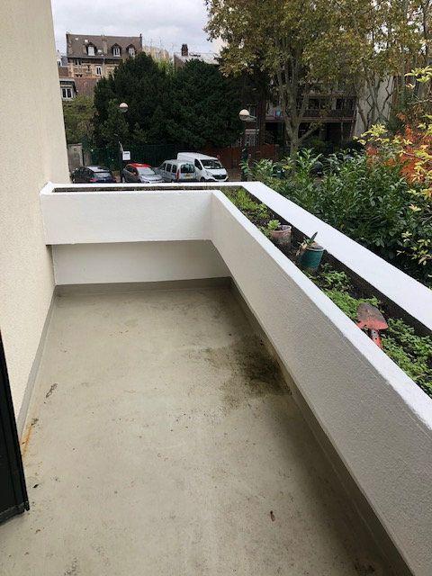 Appartement à louer 5 121.96m2 à Clamart vignette-14