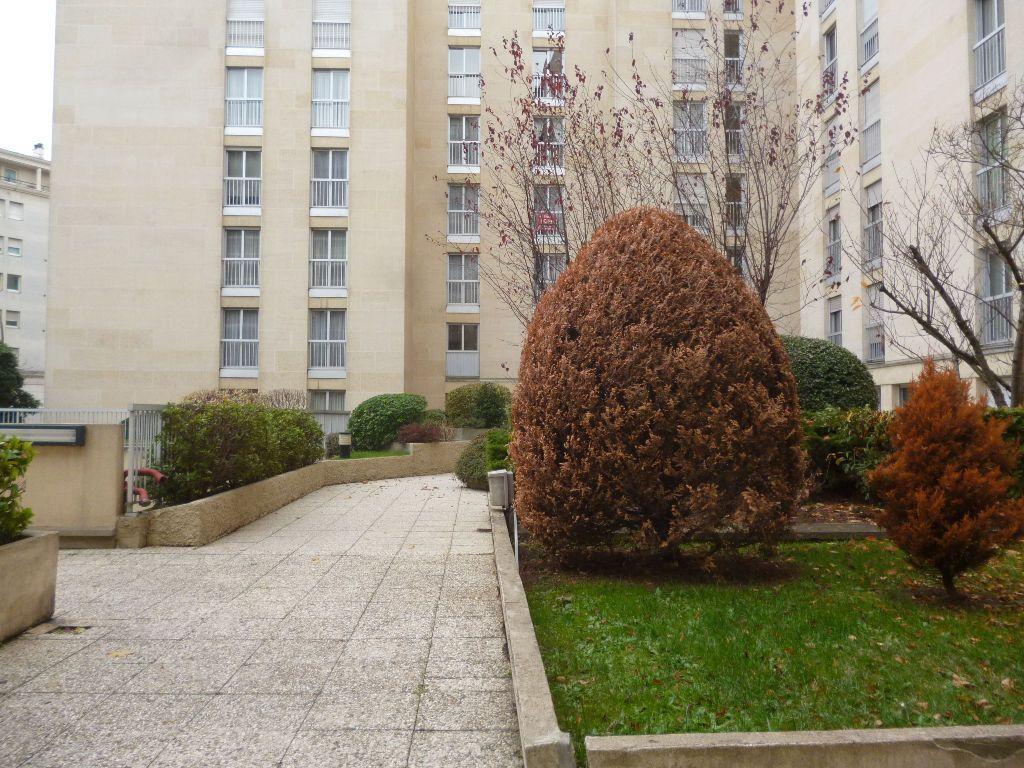 Appartement à vendre 3 71m2 à Bourg-la-Reine vignette-1