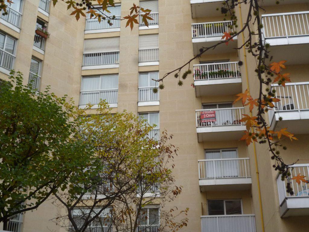 Appartement à vendre 3 71m2 à Bourg-la-Reine vignette-2