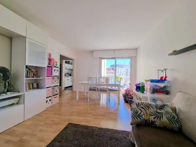 Appartement à vendre 3 71m2 à Bourg-la-Reine vignette-3