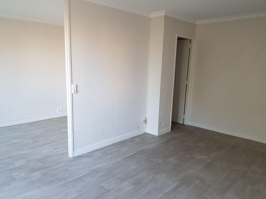 Appartement à vendre 4 64m2 à Chevilly-Larue vignette-1