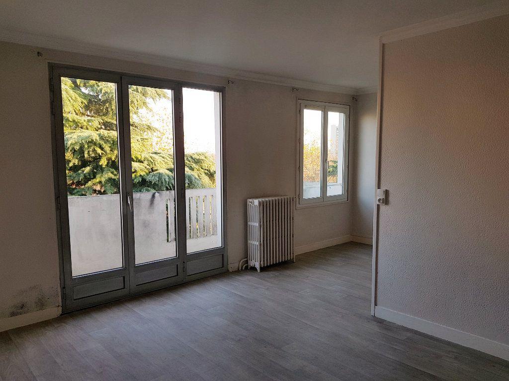 Appartement à vendre 4 64m2 à Chevilly-Larue vignette-3