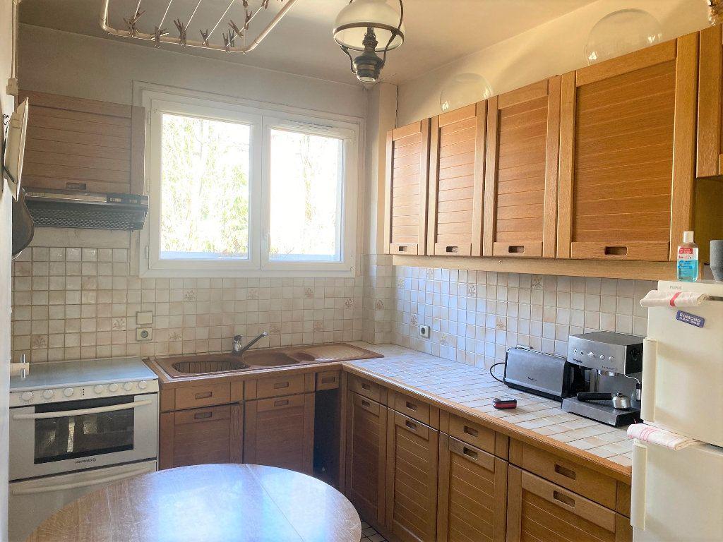 Appartement à vendre 4 72.34m2 à Cachan vignette-2