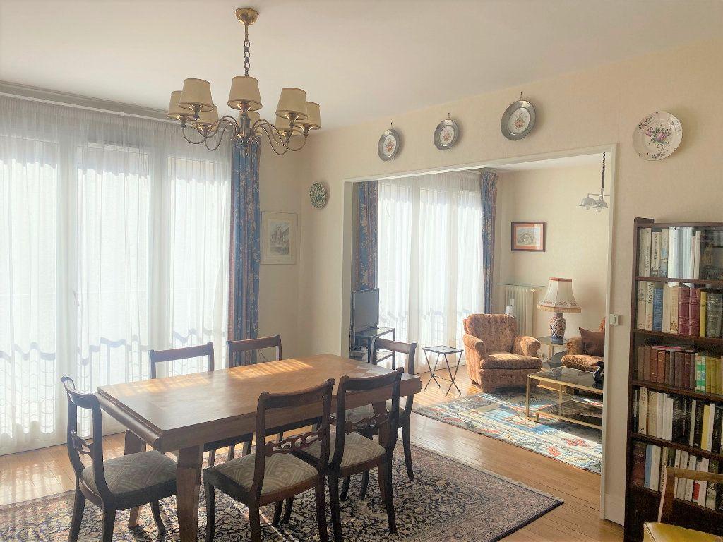 Appartement à vendre 4 72.34m2 à Cachan vignette-4