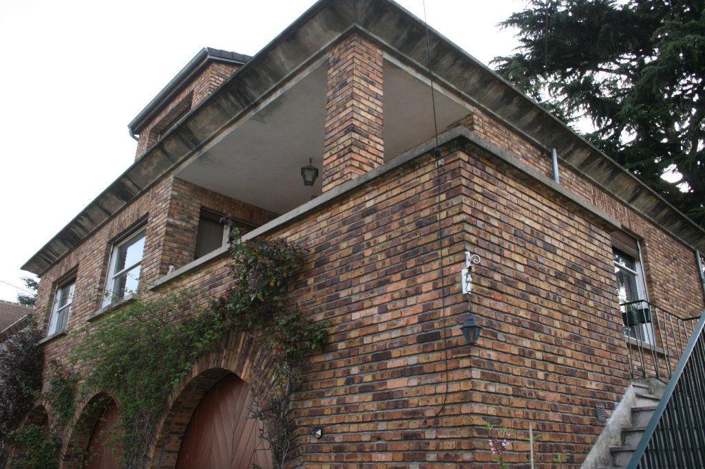 Maison à vendre 7 190m2 à L'Haÿ-les-Roses vignette-1