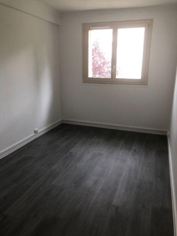 Appartement à louer 4 68.13m2 à Chilly-Mazarin vignette-8